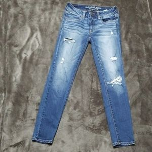 AMERICAN EAGLE DISTRESSED JEGGING  STRETCH JEANS
